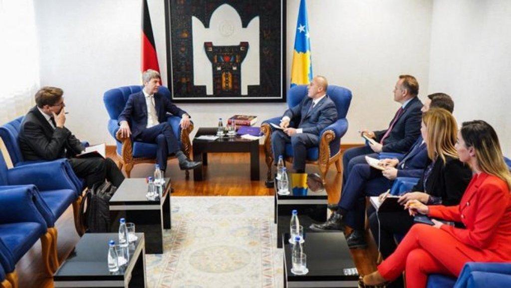 Το Κοσσυφοπέδιο υπό αυξανόμενη πίεση από τη διεθνή κοινότητα