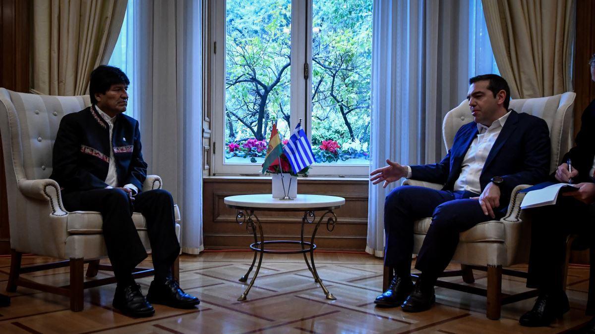 Θερμά λόγια και συνεργασίες μεταξύ Τσίπρα και Μοράλες