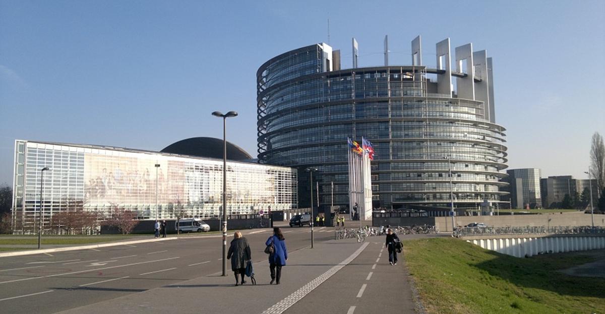 Ευρωβαρόμετρο: Η στάση των Ελλήνων απέναντι σε ΕΕ και ευρωεκλογές