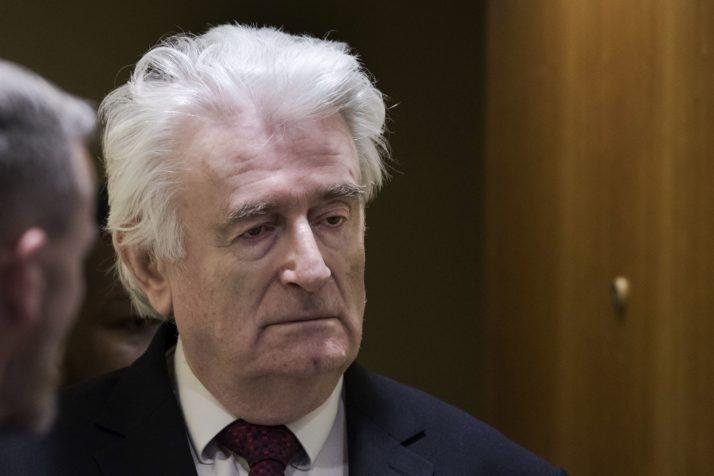 O Karadzic που προκαλεί αμηχανία στην εξουσία και διχάζει την αντιπολίτευση