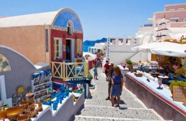 Με το… δεξί ο τουρισμός στην Ελλάδα και το 2019