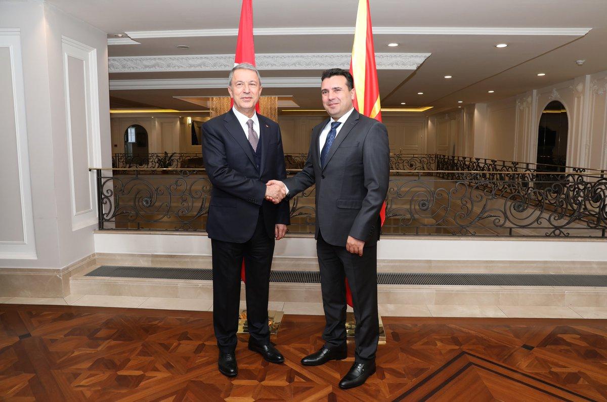 Στα Σκόπια ο Υπουργός Άμυνας της Τουρκίας μία μέρα μετά την επίσκεψη Τσίπρα