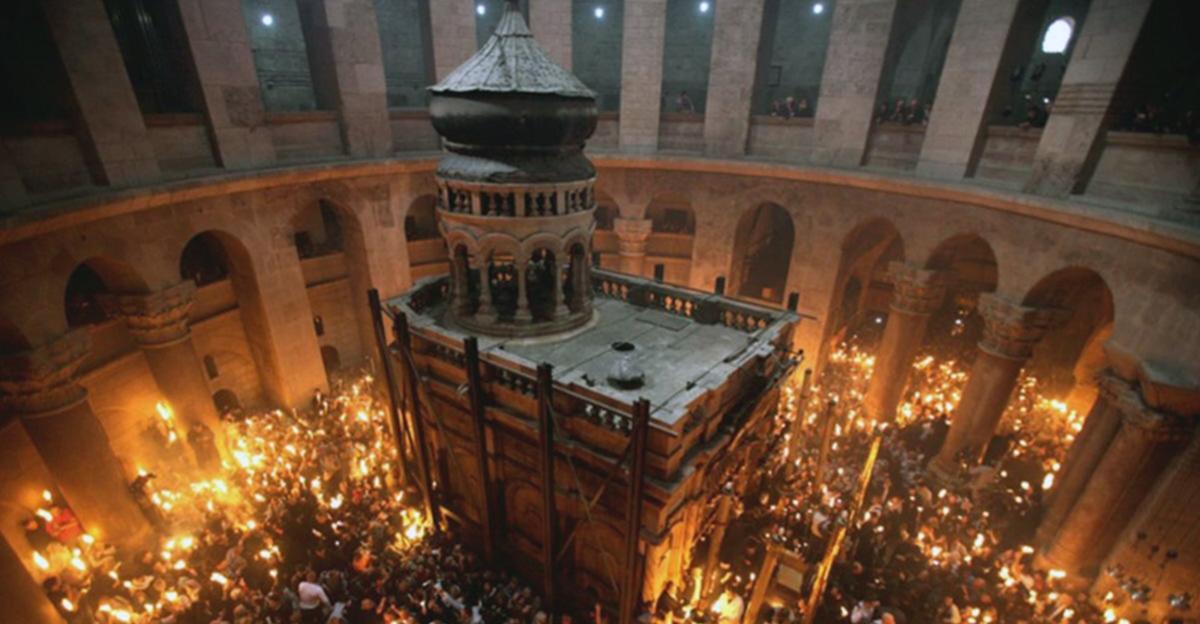 Ορθόδοξο Πάσχα: Επίσκοπος της Βόρειας Μακεδονίας θα μεταβεί στα Ιεροσόλυμα, με βουλγαρική αντιπροσωπεία, για να φέρει το «Άγιο Φως»