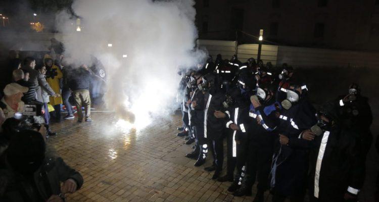Η αντιπολίτευση στην Αλβανία πραγματοποίησε μια από τις βιαιότερες διαδηλώσεις