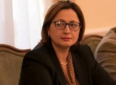 IBNA/Συνέντευξη με την αντιπρόσωπο της αντιπολίτευσης στην Αλβανία