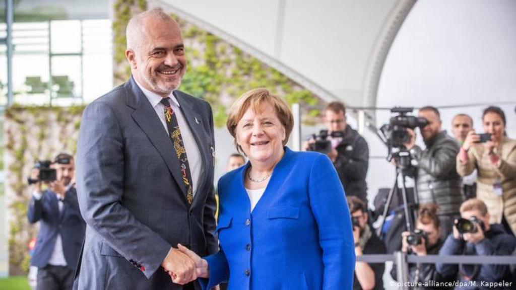 Οι διαπραγματεύσεις προσχώρησης για την Αλβανία ενδέχεται να αναβληθούν μέχρι τον Σεπτέμβριο