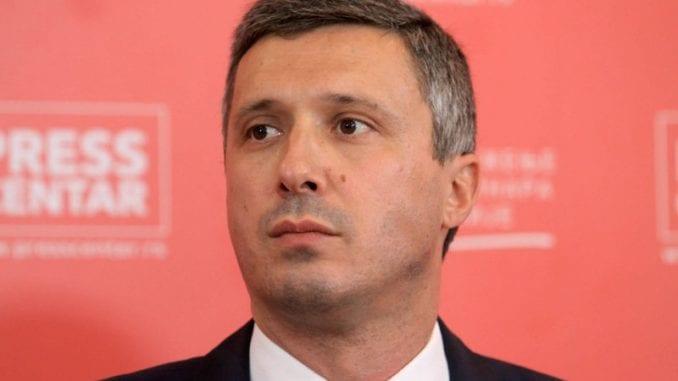 Το κόμμα του Vucic είναι ένα «πηγάδι διαφθοράς», λέει ο αρχηγός της αντιπολίτευσης