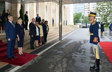 Επίσημη επίσκεψη στο Βουκουρέστι από τον Πρόεδρο του Συμβουλίου των Υπουργών της Β-Ε