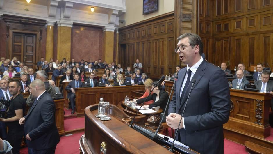 Η αντιπολίτευση μποϊκόταρε τον λόγο του Vucic στο κοινοβούλιο για την «πικρή αλήθεια για το Κοσσυφοπέδιο»