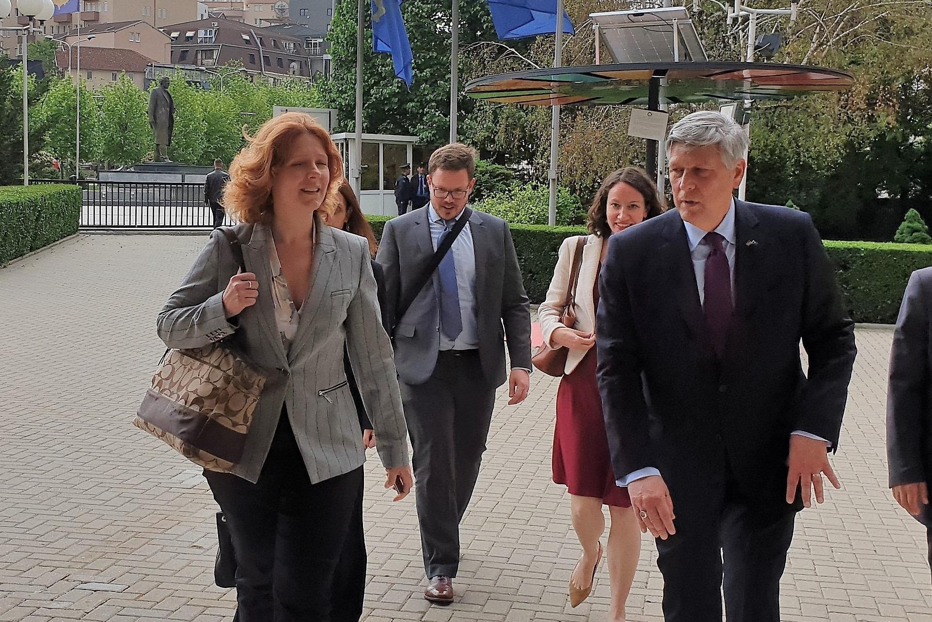 Οι ΗΠΑ απαιτούν τη δέσμευση του Κοσσυφοπεδίου για ομαλοποίηση των σχέσεων με τη Σερβία