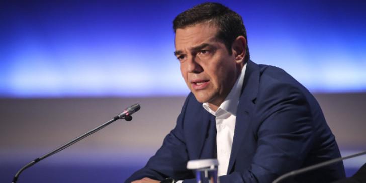 """Ο Τσίπρας λέει ότι """"έλαβε το μήνυμα"""" των εκλογών, δεσμεύεται να βοηθήσει τη μεσαία τάξη"""