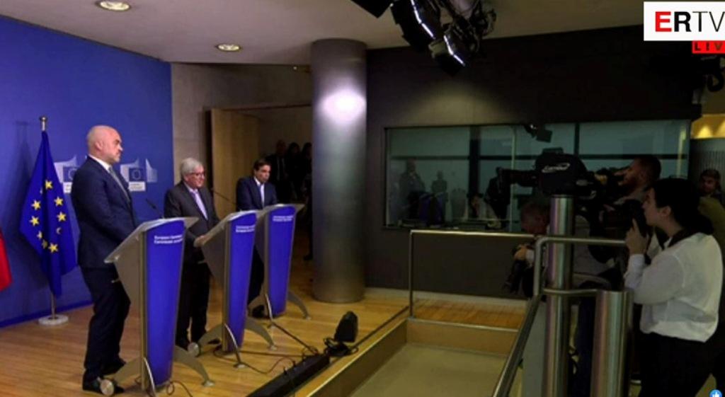 Juncker: Οι αλβανικές εκλογές πρέπει να διεξαχθούν