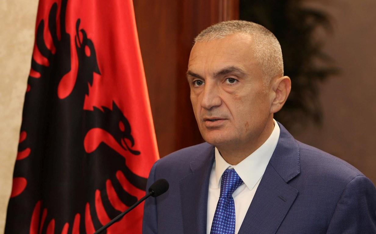 Ο Αλβανός πρόεδρος εκφράζει την ανησυχία του για την επιστροφή του καθεστώτος των θεωρήσεων