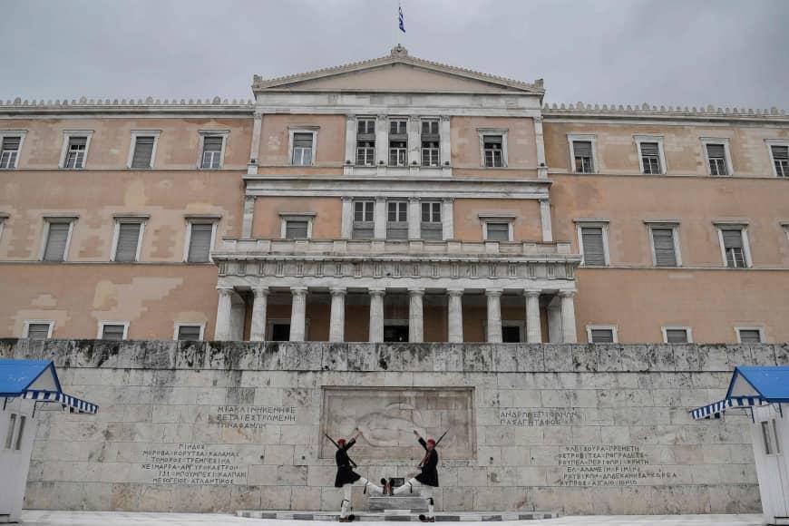 Το πάζλ μιας άνευρης προεκλογικής περιόδου στην Ελλάδα