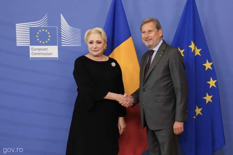 Συνάντηση Dăncilă – Hahn για το «φινάλε» της ρουμανικής Προεδρίας