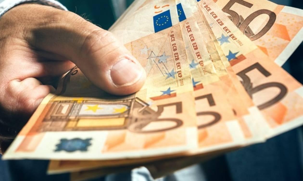 Στα 1.160 ευρώ ο μέσος μισθός πλήρους απασχόλησης στην Ελλάδα