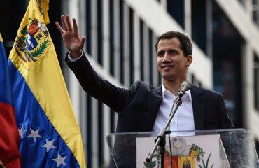 Η Ελλάδα αναγνωρίζει τον Guaido ως μεταβατικό Πρόεδρο της Βενεζουέλας