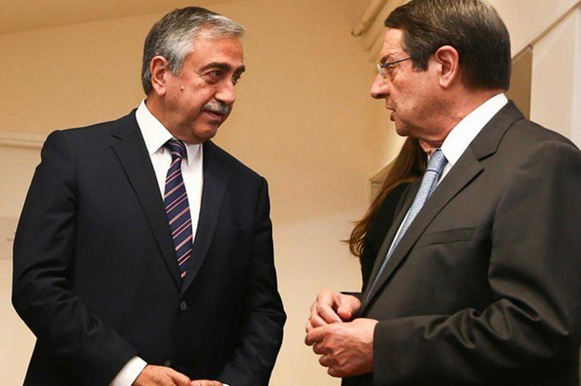 Προς άτυπη συνάντηση Αναστασιάδη-Ακιντζί