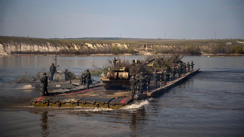 Η Σερβία κατηγορεί την Ρουμανία για μπλοκάρισμα στρατιωτικού υλικού της στο Δούναβη