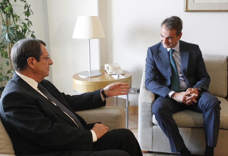 Με συνάντηση στο Προεδρικό αρχίζει διήμερη επίσημη επίσκεψη στην Κύπρο ο Έλληνας Πρωθυπουργός