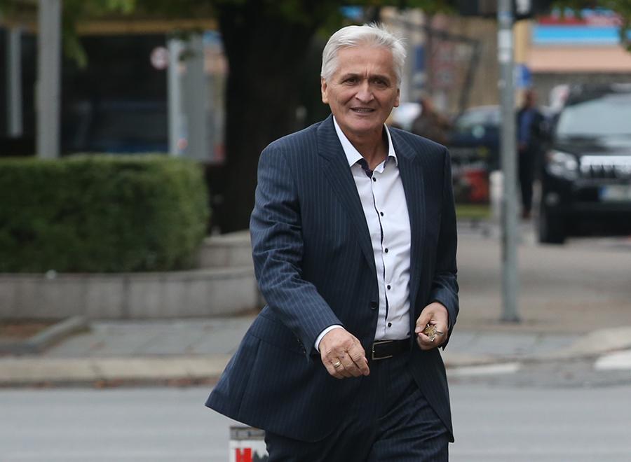Špirić: Η Β-Ε αντιμετωπίζει δύο καταστροφικά προβλήματα