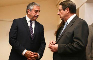 Άτυπη συνάντηση έχουν σήμερα Αναστασιάδης Akinci