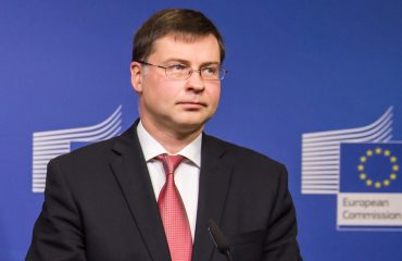 Η Ευρωπαϊκή Επιτροπή επικροτεί την ελληνική μεταρρυθμιστική προσπάθεια