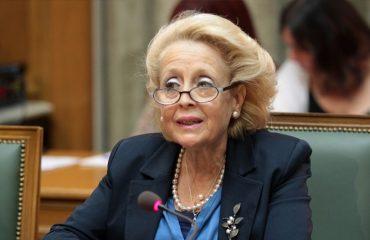 Διαμάχη Κυβέρνησης, ΣΥΡΙΖΑ για την απόλυση της Θάνου