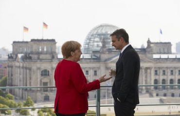 Οι Πρέσπες βαρίδι για τον Μητσοτάκη στην Ευρώπη
