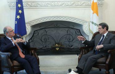 Ο Πρόεδρος της Δημοκρατίας δέχθηκε τον Πρόεδρο της Βουλής των Ελλήνων