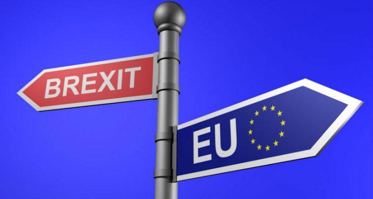 """Οι υπήκοοι της ΕΕ υποβάλλουν αίτηση για """"καθεστώς εγκατάστασης"""" μετά τo Brexit στο Ηνωμένο Βασίλειο"""
