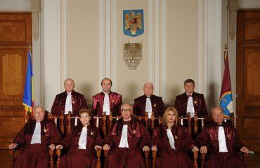 Η διαμάχη Νταντσίλα, Γιοχάνης καλά κρατεί παρά την απόφαση του Συνταγματικού Δικαστηρίου