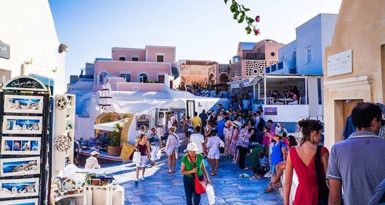 Πλεόνασμα 1,9 δισ. στον τουρισμό τον Αύγουστο