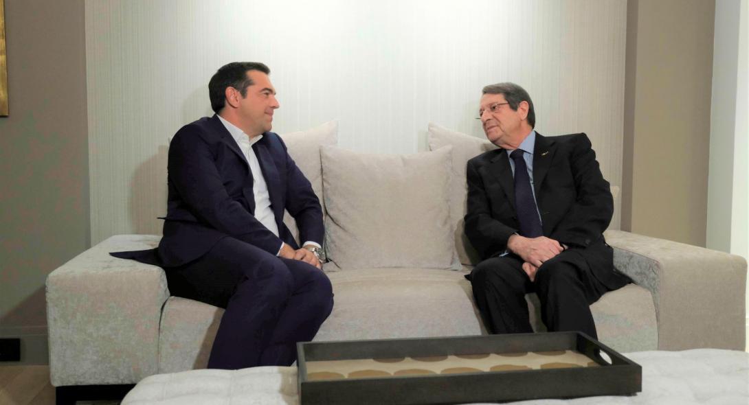 Τις τελευταίες εξελίξεις συζήτησαν Αναστασιάδης και Τσίπρας