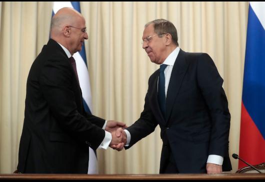 Όλα επί τάπητος στη συνάντηση Δένδια Lavrov