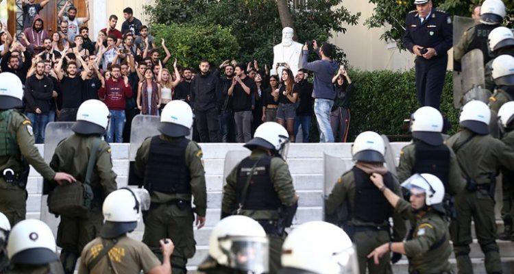 Επίθεση Πέτσα στο ΣΥΡΙΖΑ: Ο νόμος θα επιβληθεί