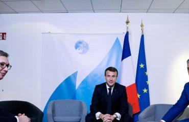 Συνάντηση Vucic – Thaci στο Παρίσι υπό την παρουσία του Macron