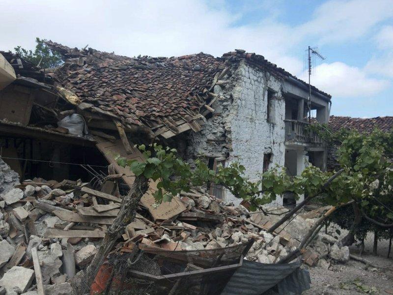 Ο βουλγαρικός Ερυθρός Σταυρός στέλνει βοήθεια τις περιοχές που έχουν πληγεί περισσότερο από το σεισμό στην Αλβανία