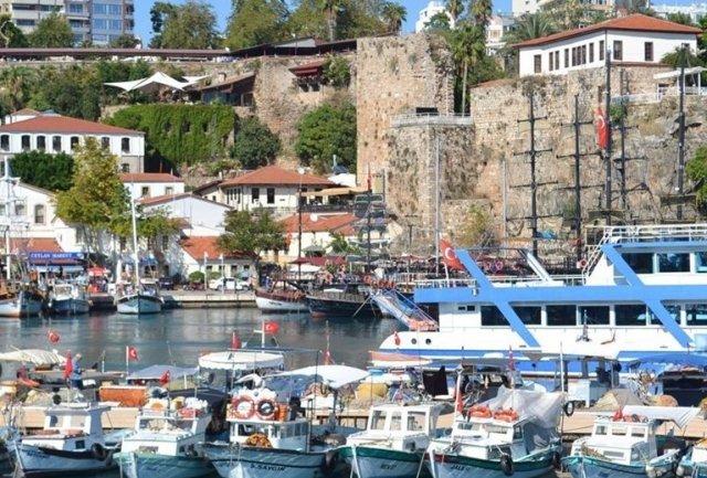 Τουρκία: 40,7 εκ. ξένοι επισκέπτες το πρώτο δεκάμηνο του '19