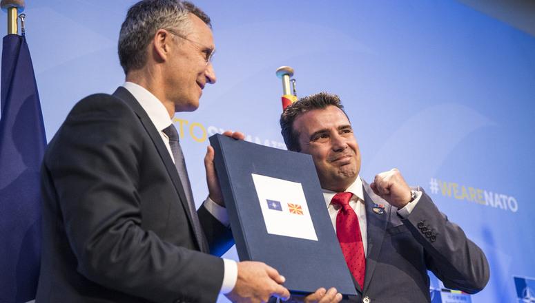 Στη σύνοδο κορυφής του ΝΑΤΟ η -υπό τον Zaev- αντιπροσωπεία της Βόρειας Μακεδονίας