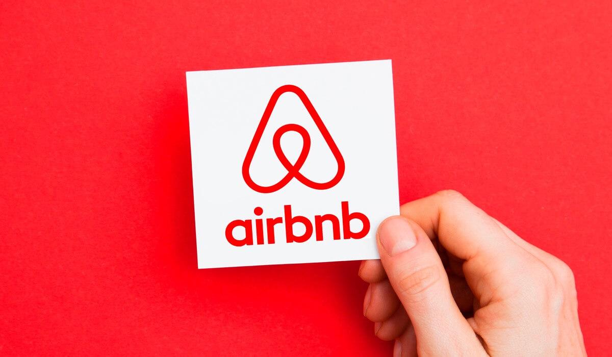 Στο 1,15 δις. Ευρώ τα έσοδα από Airbnb σε ένα χρόνο στην Ελλάδα