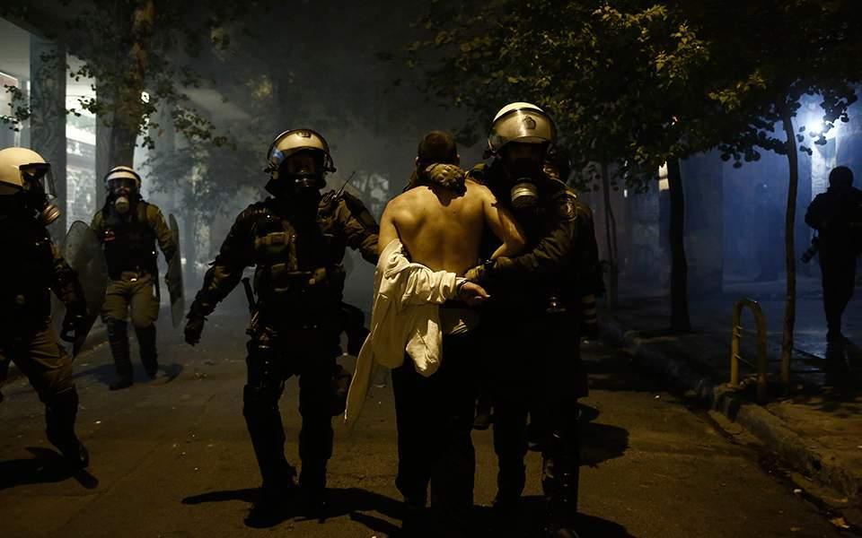 Με πλεόνασμα αστυνομικής βίας καλύπτει το έλλειμα εξωτερικής πολιτικής