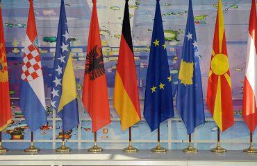 Οι Βαλκανικές χώρες παρουσιάζουν έλλειμμα δύναμης «κοινωνικού κεφαλαίου»