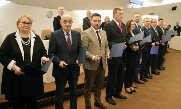 Nέο Συμβούλιο Υπουργών στη Β-Ε