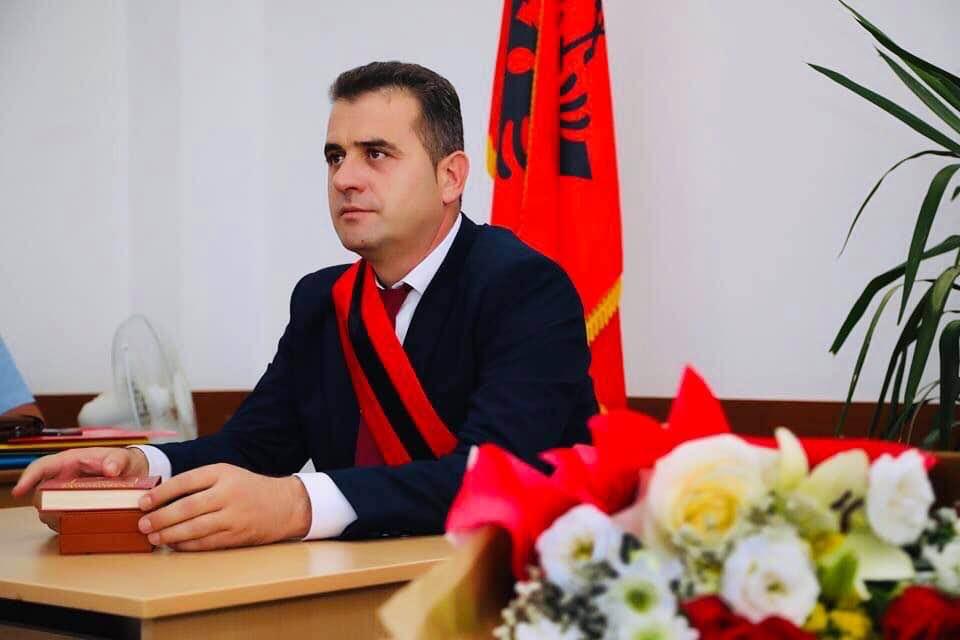Αλβανία: Τον έλεγχο του Δημάρχου Mallakaster για ποινικά αδικήματα ζητά το ΔΚ