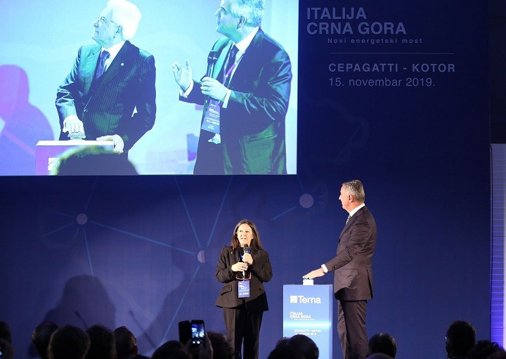 Σημαντικά έσοδα από το υποθαλάσσιο καλώδιο Μαυροβουνίου – Ιταλίας