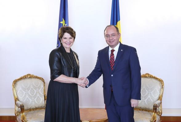 Συνάντηση Ρουμάνου ΥΠΕΞμε τη CEO της Lockheed Martin, MarillynHewson