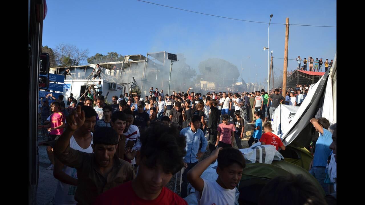 Διαμαρτυρία προσφύγων και μεταναστών και επεισόδια στην Λέσβο