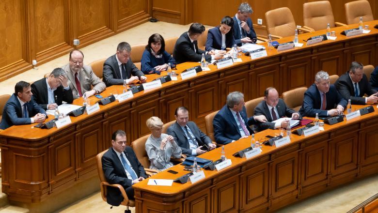 Ρουμανία: Υπερψηφίστηκε η πρόταση μομφής κι έπεσε η Κυβέρνηση Orban
