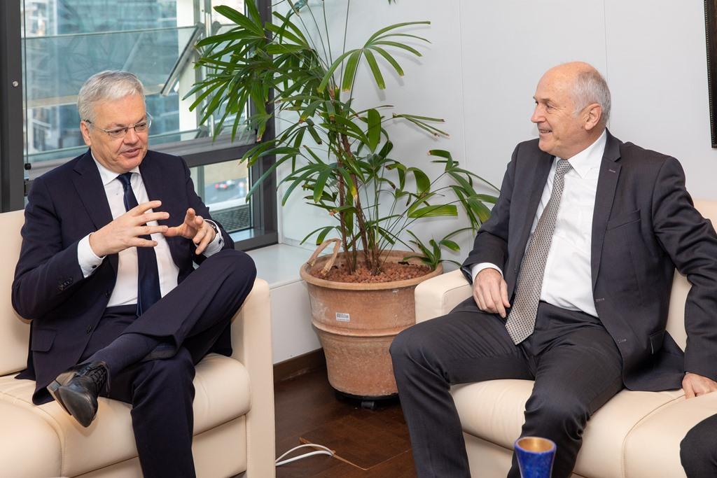 Inzko: Οι πολιτικοί της Β-Ε θα πρέπει να δεσμευθούν περισσότερο για την εφαρμογή του κράτους δικαίου